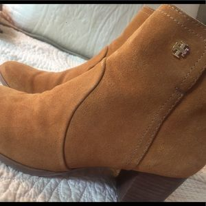Tory Burch booties with stacked heel size 8